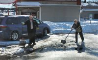 Snow shoveling at Schopen Pest Solutions, Photo: Pete Schopen