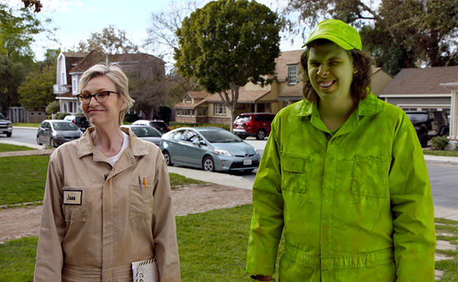 Jane Lynch and Matty Cardarople at the ad shoot. PHOTO: CLARK PEST CONTROL