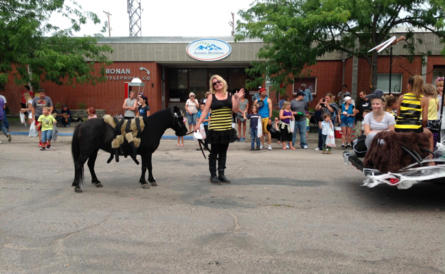 """Another look at Launa Benson and her """"spider pony."""" The duo have won awards in two local parades on behalf of Xtreme Weed & Pest Solutions. PHOTO: XTREME WEED & PEST SOLUTIONS"""